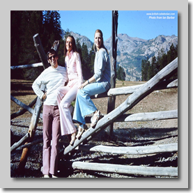 On the way back from Lake Tahoe - Norman Speary posing with 2 girls ? - Somewhere in California Sep/Oct 1972